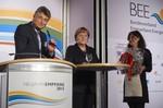 Merkel würdigt Leistungen der Erneuerbare Energien-Branche