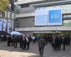 Dynamische Entwicklungen für die Zukunft diskutieren: Kongress AUTOMATION am 11. und 12. Juni 2015 in Baden-Baden (Bild: VDI Wissensforum GmbH)