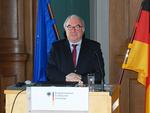 Maritimer Koordinator Beckmeyer legt Bericht über maritime Wirtschaft vor