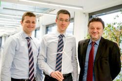 Sie wollen ergründen, wie sich Windräder gegenseitig beeinflussen: Florian Bendrat, Felix Einwächter und Constantinos Sourkounis (von links)
