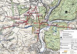 Übersichtskarte der geplanten Windkraftanlagen in der Konzentrationszone (graue Markierung) und Abstände zur Wohnbebauung (rote Beschriftung) in Metern.