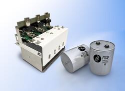 Auf der HUSUM Wind präsentiert FTCAP die neuen Filmkondensatoren mit einer speziellen Aluminiumverkapselung und einen Hochleistungs-PowerStack für die Energiespeicherung (Bild:  FTCAP GmbH)