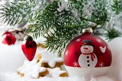 Detail_weihnachten_baum_kugeln