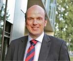 Triflex GmbH & Co. KG: Dr. Clemens v. Trott zu Solz verstärkt Triflex