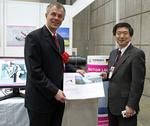 Windenergie News: NRW-Umweltminister Johannes Remmel besucht ROEMHELD auf der WindExpo in Tokio