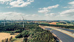 BayWa r.e. baut Solar-Wind-Hybridprojekt
