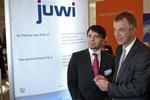 """Klimaschutzminister Remmel erfreut über """"Zugpferd juwi"""" in Nordrhein-Westfalen"""