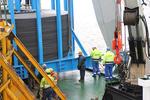 ANKER Schiffahrt schlägt Offshore-Seekabel im Emder Hafen um