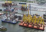 Jackets, Pontons, Errichterschiffe und Tripods in Bremerhaven