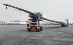 Reise des weltweit längsten Rotorblatts für Windturbinen durch Dänemark