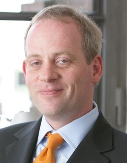 Dr. Martin Altrock