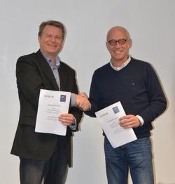 Matthias Volmari (Kaufmännischer Geschäftsführer OffTEC) und Christian Wefer (Geschäftsführender Gesellschafter BZEE Academy)