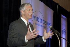 AWEA CEO Tom Kiernan addresses the crowd at the WOW Gala