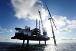Erste Windturbine beim Windpark Gode Wind 1 und 2 installiert