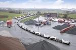 Premiere: Komponenten von Windenergieanlagen kommen jetzt auch per Bahn in den Elbehafen Brunsbüttel