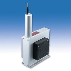 Der kompakte POSIWIRE® Wegseilsensor WS21 für Messlängen bis zu 20.000mm ist mit einem berührungslosen, magnetischen Multiturn-Drehgeber ausgestattet
