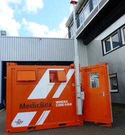 Durch die Satellitenverbindung der MEDICbox können Daten direkt an ein Krankenhaus übermittelt werden