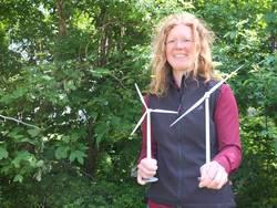 Die junge Wissenschaftlerin Vera Schorbach forscht in ihrer Promotion an Zweiblatt-Windanlagen (Foto: Julia Siekmann)