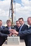 Deutsches Offshore-Industrie-Zentrum wächst zügig - Start der Bauarbeiten am neuen Liegeplatz in Cuxhaven