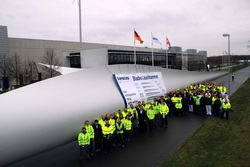 Das erste 57-Meter-Rotorblatt aus Lauchhammer (Foto: Jan Augustin, Projekt Firmengruppe)