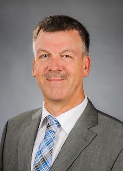 Dipl.-Ing. Thomas Stark leitet bei CADFEM die CAE-Strategieberatung, nachdem er in der Industrie umfassende Simulationserfahrungen sammelte.