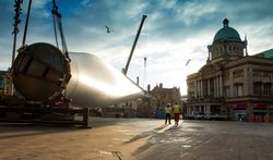 Image: ALE transports the rotor blade across the city of Hull.