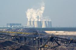 Kohlekraftwerke, wie das in Jänschwalde, emittieren mehr Treibhausgase als andere Kraftwerke (Bild: blumenkind/Fotolia.com)