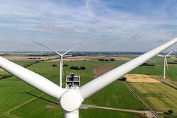 Weitere 13 getriebelose Windenergieanlagen wie die abgebildete SWT-3.0-113 installiert Siemens bei zwei Projekten in Niedersachen und Schleswig-Holstein.