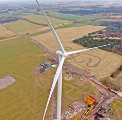Mit seinen 69 Meter langen Blättern erreicht die SWT-3.15-142 einen Rotordurchmesser von 142 Metern.