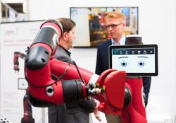 Wenn der Roboter vom Roboter lernt – maschinelles Lernen auf der HANNOVER MESSE (Bild: Deutsche Messe AG)