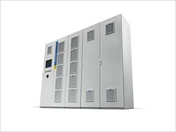 Der modulare und flexible Hybridumrichter Sinacon HC schafft innovative Möglichkeiten für die Einspeisung in öffentliche Netze sowie den Aufbau und Betrieb von Inselnetzen.