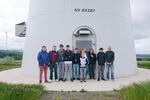 Mayener Bernardshof-Schule besichtigt Windpark im Hunsrück