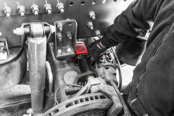 Die Druckluft-Hochmomentschrauber der CP66-Serie eignen sich unter anderem für den Einsatz in der Windenergiebranche. (Bild: Chicago Pneumatic)
