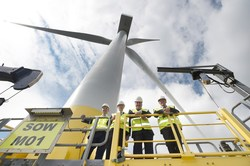 Scottish Energy Minister Paul Wheelhouse at the Levenmouth Demonstration Turbine (Image: ORE Catapult)
