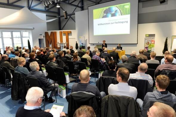 """Mit 200 Teilnehmern war die Herbsttagung """"Flexanlagen in Aktion"""" ein schöner Erfolg. Die e2m kündigte bereits die Fortsetzung für 2018 in Süddeutschland an. (Bild: e2m)"""