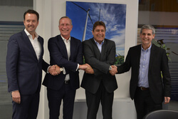 Vlnr.: Henk Werkman (Vice President Sales Benelux, Austria & Eastern Europe) Nils de Baar (President Vestas Central Europe), Frank Dumeier (CEO WEB Windenergie AG) und Michal Trcka (CFO WEB Windenergie AG) (Bild: W.E.B)