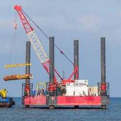Recovery of drill unit from Moray Firth (Image: Red7 Marine)