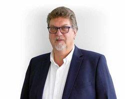 Dirk Mischnick, Geschäftsführer Hailo Wind Systems, verabschiedet sich zum 31. März 2018 in den Ruhestand (Bilder: Hailo Wind Systems)