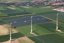 Erfolgreich bei Wind- und Solarenergieprojekten: Projektentwickler juwi sicherte sich in der aktuellen Ausschreibungsrunde insgesamt acht Zuschläge (Bild: juwi)