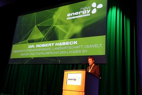 Energiewendeminister Robert Habeck eröffnete die Messe New Energy 2018 in Husum (Bild: MELUND)
