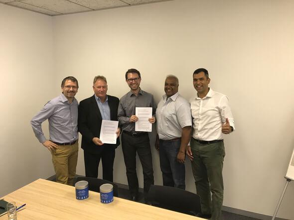 ENERTRAG Vorstand Dr. Gunar Hering bei Vertragsunterzeichnung mit südafrikanischem Partnerunternehmen. (© ENERTRAG AG)