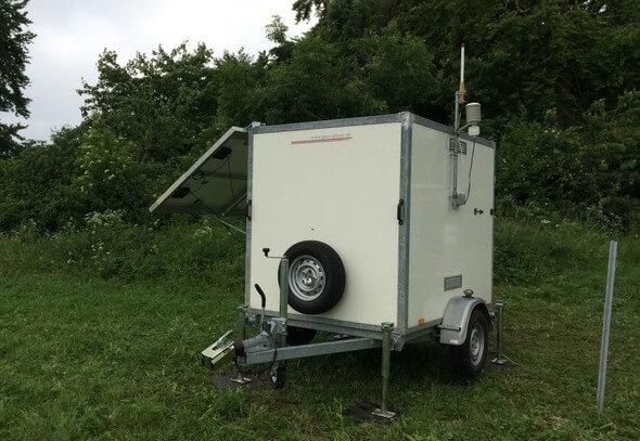 Mit so einem LiDAR-Gerät wurden fast ein Jahr lang die Windgeschwindigkeiten gemessen (Bild: EnBW)