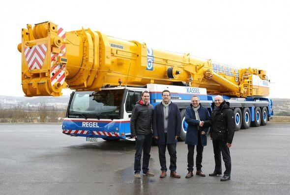 V.l.n.r.: Florian Maier (Liebherr-Werk Ehingen GmbH), Alexander Teifke, Carsten Hildebrandt (beide Albert Regel GmbH), Erich Schneider (Liebherr-Werk Ehingen GmbH)