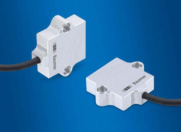 Die kompakten Neigungssensoren GIM140R sind mit Baugröße 48 mm, Schutzart IP67 / IP 69K und Korrossionsfestigkeit C5-M optimal geeignet für einen platzsparenden Dauereinsatz in rauer Umgebung (Bild: Baumer)