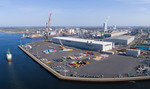 Liebherr heavy lift crane creates new perspectives in Rostock harbor