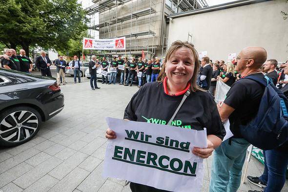 IG Metall Küste Enercon: Beschäftigte demonstrieren gegen geplanten Kahlschlag  (Foto: Franz Fender)