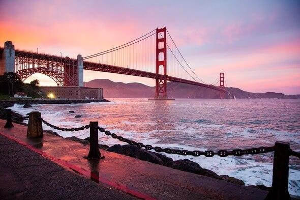 Golden Gate Bridge ist eines der bekanntesten Wahrzeichen Kaliforniens (Bild: Pixabay)