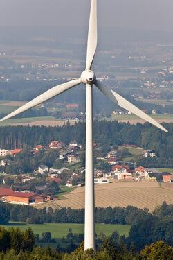 Windrad Schernham (Bild: Alfons Gstoettner)