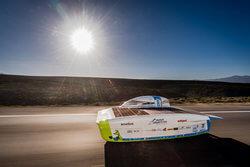 Borealis' QuentysTM-Materialien werden verwendet, um die auf dem Rennwagen des Agoria Solar Teams montierten Solarzellen einzukapseln und zu schützen (Bild: Agoria Solar Team)