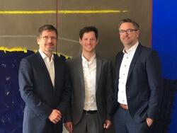 (v.r.n.l.): Andre Hirsch, Simon Hagedorn und Dr. Gunar Hering (Bild: ENERTRAG Aktiengesellschaft / GP JOULE GmbH)